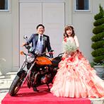 アーククラブ迎賓館 郡山:ドレスにこだわる花嫁は試着までに念入りに下調べを。手軽に雰囲気を変えられる2WAYのドレスもおすすめ