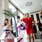 グリーンキャメロット リバーサイド:新婦からフラッシュモブのサプライズ!キャンドルリレーでガラリと雰囲気を変えたメリハリのあるパーティ