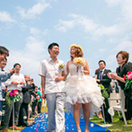 ANA ホリデイ・イン リゾート 宮崎:青島で出会ったふたりは、結婚式を挙げるならココで!と決めていた。大好きな海が見えることも大きな魅力に