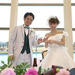 ANA ホリデイ・イン リゾート 宮崎:外の自然と溶け合うような開放的な空間でゲストもリラックス。時間を忘れて楽しむアットホームなパーティに