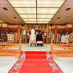 ホテルハマツ:ふたりが生まれ育った福島にある上質なホテルでの結婚式。しっかりした神殿がホテル内にあることも決め手に
