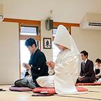 The New Hotel Kumamoto(ザ・ニューホテル熊本):縁のあるお寺での仏前式。ホテル外の挙式でも細やかに対応してくれたおかげで、無事に執り行うことができた