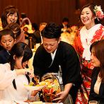 Geo World VIP(ジオ・ワールド ビップ):全員参加型の果実酒ラウンドでみんなと心をひとつに。入場や記念撮影など新婦の手作りアイテムが大活躍