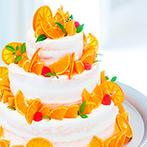 伊万里アイトワ サンティール:ナチュラルな装花やDIYアイテムなどふたりらしい空間にゲストを招待!ミカンで彩られたオリジナルケーキも