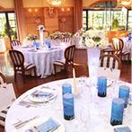 エルセルモ広島:ガーデンに隣接した会場のカジュアルな雰囲気がお気に入り。「水族館」をテーマにしたアットホームな結婚式