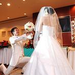 エルセルモ広島:「クリスマス」×「ゴルフ」のふたりらしいコーディネート。披露宴であらためて人前式&プロポーズを行った