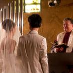 セレス高田馬場 サンタアンジェリ大聖堂:聖歌隊や管楽器の音色が響く中、憧れのドレスで教会式。ほのかに光るキャンドルとステンドグラスが神秘的