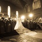 セレス高田馬場 サンタアンジェリ大聖堂:高田馬場駅徒歩1分。思わず見上げる幻想的なステンドグラスと、大理石のバージンロードの大聖堂に一目惚れ