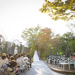 Sun Palace Rokkoh(サンパレス六甲):緑が美しいガーデンでの誓いは海外挙式のような開放感!フラワーシャワーやバルーン演出も楽しんだ