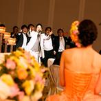 ホテル日航姫路:披露宴で新郎が歌と真赤なバラの花束を新婦にプレゼント。スタッフがサプライズを全力で支えてくれた