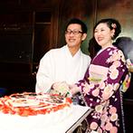 マリエカリヨン名古屋:ブラウン&グリーンの空間を和モダンにコーディネート。思い出の振袖をまとい、だるまのケーキでセレモニー