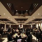 ラヴィマーナ神戸(RAVIMANA KOBE):落ち着いたモダンな空間でコーディネートにもこだわりを。ゲストとの距離が近いあたたかなパーティ