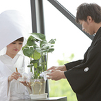 ラヴィマーナ神戸(RAVIMANA KOBE):ベテランスタッフのおかげで白無垢&綿帽子もイメージ通り。会場スタッフの心遣いがゲストにも好評だった