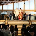 ラヴィマーナ神戸(RAVIMANA KOBE):1階と2階にわかれた劇場型のパーティ会場。スクリーンを活かしたサプライズ演出で、ゲストを盛り上げた