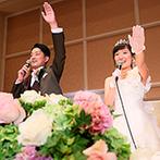 帝国ホテル 大阪:宣誓から始まった笑顔溢れる温かなひと時。お互いへのサプライズやフォトラウンドで幸せいっぱいのムードに