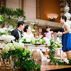 帝国ホテル 大阪:格調高いボールルーム『孔雀東』で第二部のパーティ!ローストビーフのカッティングなど、華やかな演出も