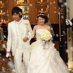 ベイサイド迎賓館 神戸:ロビーからガーデンまで邸宅を丸ごとふたり占め!ゲストを自宅にお招きしたようなオリジナルのウエディング