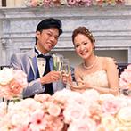 ベイサイド迎賓館 神戸:新婦が一目見て「可愛くてびっくりした」と絶賛するほど理想通りの空間。広々とした会場で笑顔の時間に