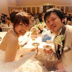 ホテル大阪ガーデンパレス:入場後に3人家族のお披露目!大スクリーンにサプライズのバースディ映像が上映され、温かな感動が広がった