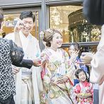 DUCLASS OSAKA デュクラス大阪:鏡開きで賑やかにスタートした披露宴。広い空間を活かした新婦手作りのフォトブースでゲストとふれ合った