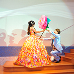 グランラセーレ鹿児島(聖マリア大聖堂):ストーリー仕立ての再入場は大好評!ふたりにまつわるクイズを出題し、勝ち抜いたゲストには景品も