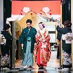 ヴィラ・グランディス ウエディングリゾート:伝統的な花嫁のれん&地元を代表する祭りを取り入れた演出で親子の絆も深まり、会場はあたたかな雰囲気に