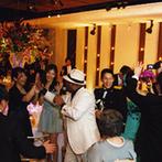 DESTINO BROOKLYN NEW YORK(ディスティーノ ブルックリン ニューヨーク):ゴスペルシンガーの登場でゲストも大盛況。「幸せな一日の最後はやっぱり笑顔で!」と最高のフィナーレに