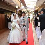神戸北野ホテル:セレモニーが始まるとテラスの屋根がオープン!自然光が差し込むナチュラルな空間で叶えた幸せなひと時