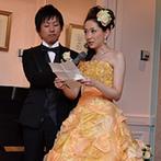 神戸北野ホテル:ピアノとバイオリンの美しい音色にゲストもうっとり。両親の思い出の曲をライブ形式でふたりからプレゼント