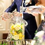 アニヴェルセル 長野:邸宅風のバンケットを優しい色合いでコーディネート。ゲストとの時間を大切にするアットホームな披露宴
