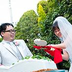 アイネスヴィラノッツェ宝ヶ池:緑の中でのケーキカットやふたりがサーブするデザートビュッフェなど、会場に隣接したガーデンもフル活用