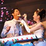 マリアージュ グランデ(MARIAGE GRANDE):階段、ムービングライト、ステージ…。ふたりらしいウエディングを叶える設備充実の会場でパーティ!
