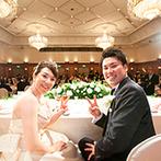 宝塚ホテル:ゲストに楽しんでもらい、家族へ感謝を伝える披露宴。格式あるバンケットで過ごすアットホームなひと時