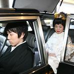 岐阜都ホテル(2019年4月1日から都ホテル 岐阜長良川):約60名の親族や友人が見守る中、護国神社で厳かに誓いを交わしたふたり。支度や送迎はホテルがサポート