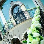 北山ル・アンジェ教会:フラワー関係の仕事をしている新婦も感激の、花に囲まれたゲストハウス。ヘッドアクセやブーケもお気に入り
