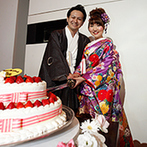 Wグランラセーレ:最新鋭の映像演出で魅せるパーティ会場。日本刀でのケーキ入刀や、おつまみビュッフェも楽しんでもらった