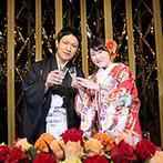 KONAYA HOTEL:和装も洋装も似合う洗練された会場アレンジ。大好きな作品のBGMや、手描きのイラストで個性をちりばめた