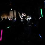 KONAYA HOTEL:色とりどりのペンライトが光り、映画のヒロイン気分の再入場に!ダンスの余興もライヴ感覚で盛り上がった