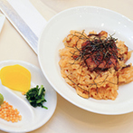 アール ベル アンジェ Nagoya:ふたりの「大好き」が詰まった、貸切邸宅。名古屋名物を取り入れた美食やオリジナルのケーキにゲストも笑顔