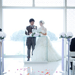 GAMAGORI CLASSIC HOTEL(蒲郡クラシックホテル):蒲郡らしい結婚式が希望のふたりは、充実設備の有名ホテルに心を奪われた。竹島や三河湾を望む絶景も決め手