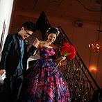 ローズガーデン/ロイヤルグレース大聖堂:家族の絆を感じる中座やロマンチックな大階段入場など多彩なシーンが満載。ラストのムービーで物語は完成