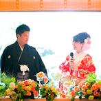 富士屋ホテル:和洋が融合するモダンな会場。6月らしいさわやかな装花も、細やかな配慮が行き届いた料理もゲストに大好評