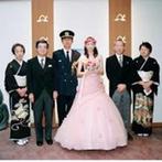 指帆亭:アットホームにゲストと同じ目線で行う結婚式。リラックスして自然と笑顔になれるようなムードをイメージ