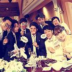 ST. MARGARET WEDDING(セント・マーガレット ウエディング):ゲストもわくわく。おしゃれに敏感なふたりらしく、吹き抜けのレストランをトレンド感いっぱいにアレンジ