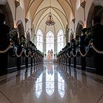 アメイジンググレイス:長いバージンロードとチャペルの雰囲気が素敵。気さくで楽しいスタッフと一緒に結婚式を創りたいと思った