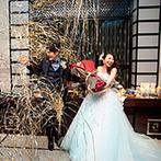アルカンシエル横浜 luxe mariage:ふたりの目の前にペンライトを振るゲストがずらり!新郎発案のサプライズで、会場の一体感が高まった