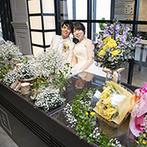 アルカンシエル横浜 luxe mariage:世界の都市をイメージした3邸宅から、バリテイストの空間をセレクト。ナチュラルな装花で自然体の披露宴