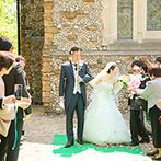 那須高原ミッシェルガーデンコート:緑の中に佇むウエディングステージで心穏やかな結婚式を。スタッフの親切な対応に、大きな安心感を抱いた