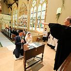 那須高原ミッシェルガーデンコート:壮麗なステンドグラスに見守られる、英国スタイルの挙式。ゲストや一般客からの祝福も嬉しかった