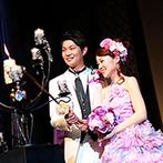 ホテル阪急インターナショナル:テーマパークの世界を反映した、王子様&お姫様気分のパーティ!幸せの魔法が広がるキャンドル演出も大好評